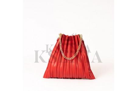 Что делать с сумкой, если она вышла из моды или износилась?