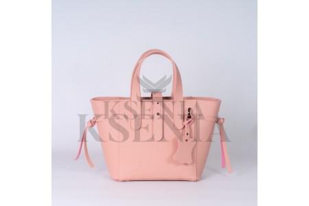 Порядок и женская сумка